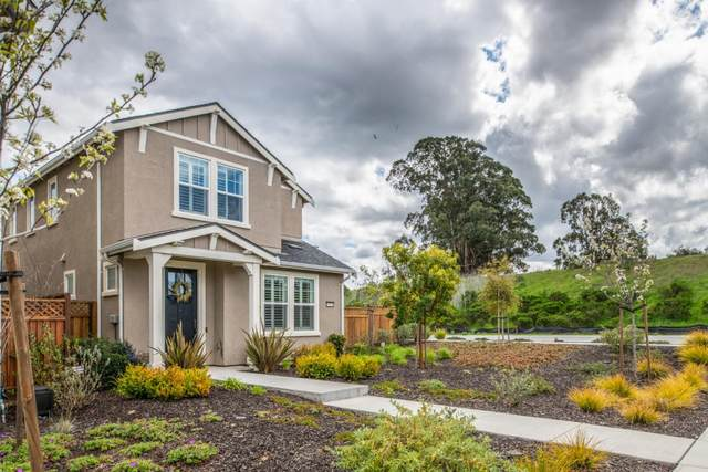 15034 Breckinridge Ave, Marina, CA 93933 (#ML81797138) :: The Gilmartin Group