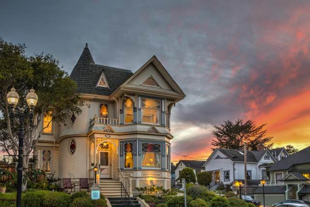 649 Lighthouse Ave, Pacific Grove, CA 93950 (#ML81797163) :: Alex Brant Properties