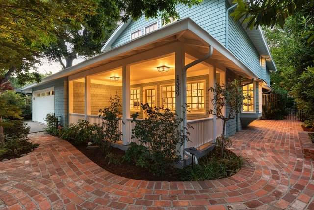 1539 Walnut Dr, Palo Alto, CA 94303 (#ML81797200) :: Alex Brant Properties