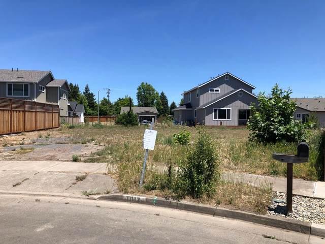 1817 Walnut Creek Ct, Santa Rosa, CA 95403 (#ML81797525) :: Strock Real Estate