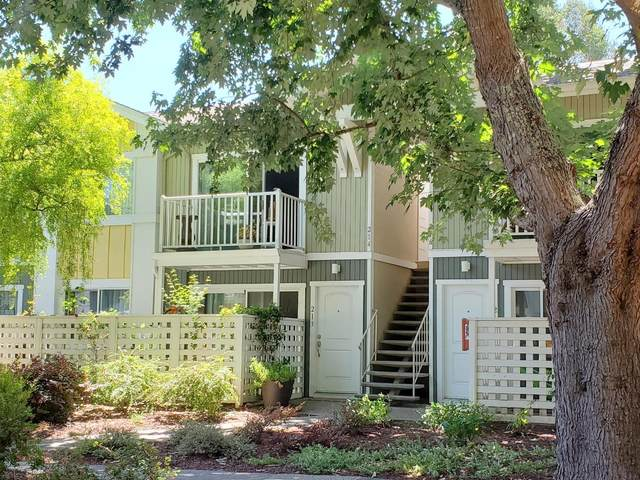 755 14th Ave 214, Santa Cruz, CA 95062 (#ML81798042) :: The Sean Cooper Real Estate Group