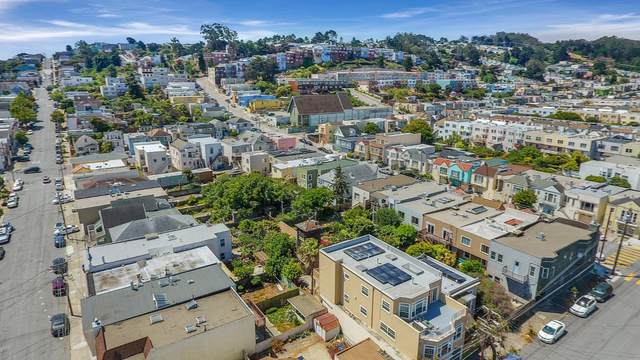 325 Wayland St, San Francisco, CA 94134 (#ML81798712) :: The Sean Cooper Real Estate Group