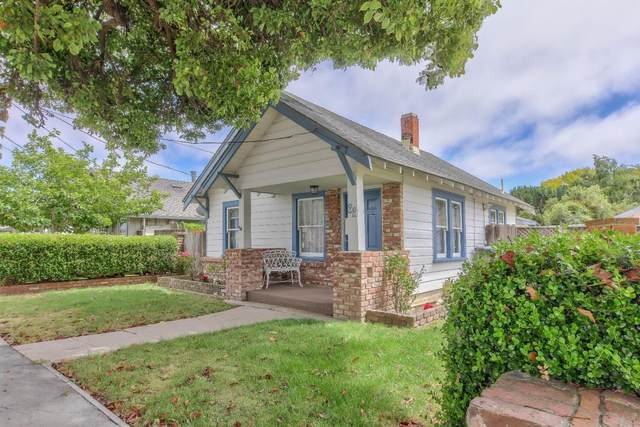 22 Chestnut St, Salinas, CA 93901 (#ML81798856) :: Real Estate Experts