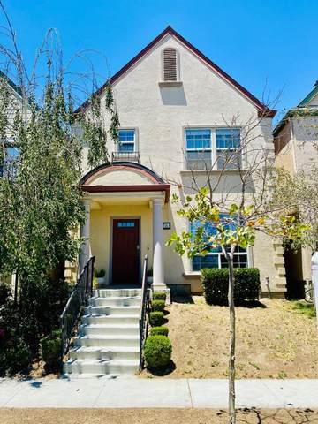 714 Teneyuque Ave, Greenfield, CA 93927 (#ML81799633) :: Alex Brant Properties