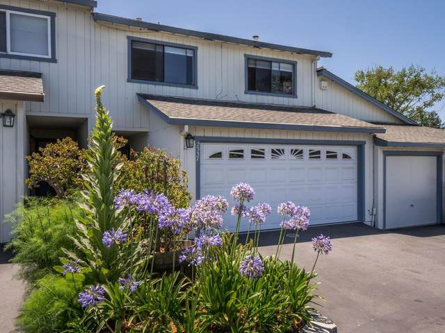 2337 17th Ave, Santa Cruz, CA 95062 (#ML81800233) :: The Sean Cooper Real Estate Group