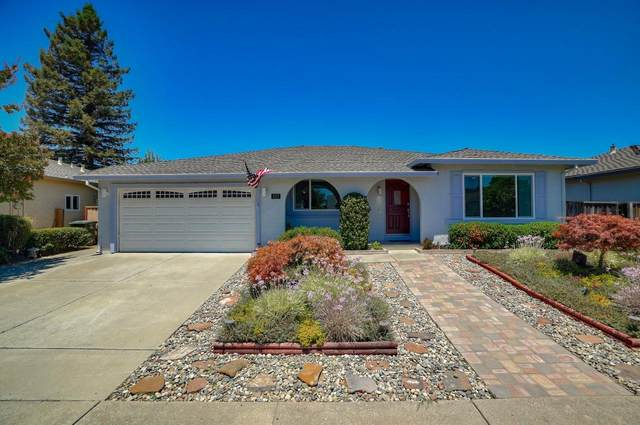 155 London Pl, Gilroy, CA 95020 (#ML81800298) :: The Sean Cooper Real Estate Group