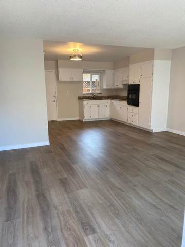 520 Vera Ave, Redwood City, CA 94061 (#ML81800583) :: Alex Brant Properties