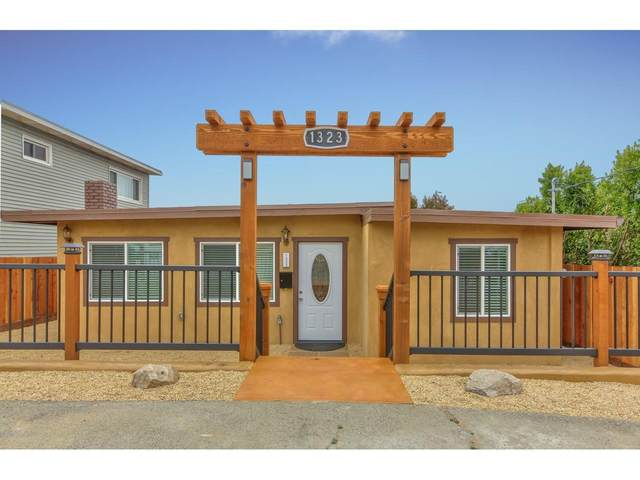 1323 Darwin St, Seaside, CA 93955 (#ML81801246) :: Robert Balina | Synergize Realty