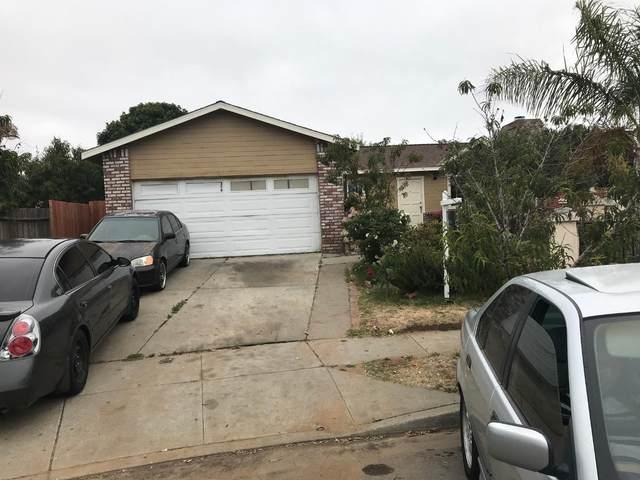 5 Pacana Cir, Salinas, CA 93905 (#ML81803702) :: Alex Brant Properties