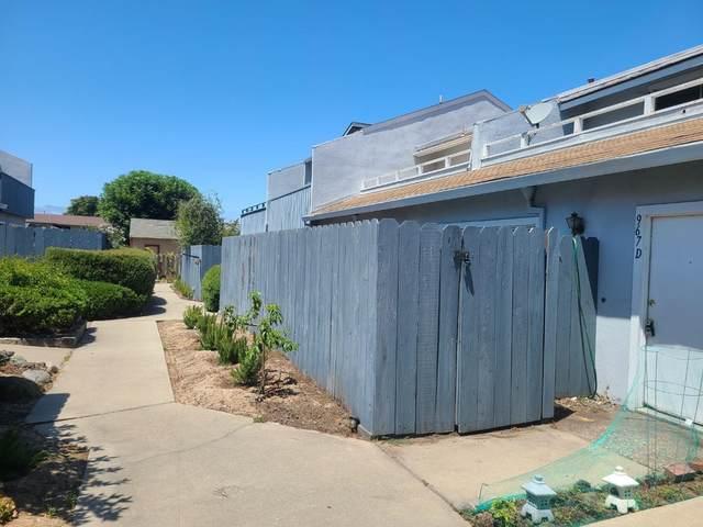967 Hilby Ave D, Seaside, CA 93955 (#ML81803804) :: Alex Brant Properties