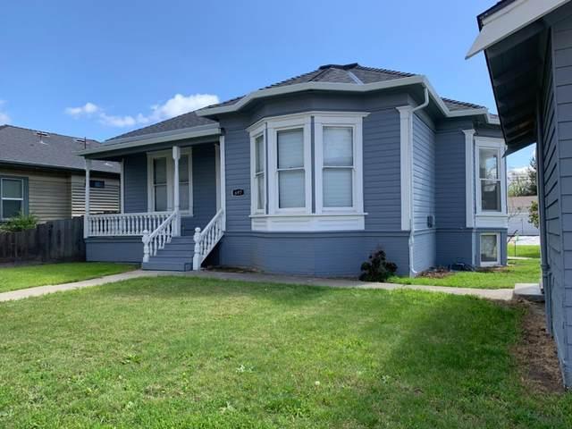 697 4th St, Hollister, CA 95023 (#ML81803901) :: Strock Real Estate