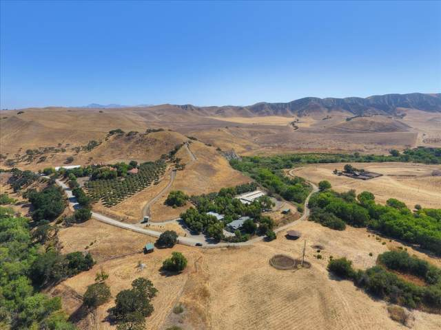2751 Thomas Rd, Hollister, CA 95023 (#ML81804372) :: The Realty Society