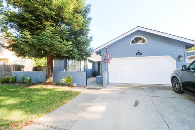 1260 Hersman Dr, Gilroy, CA 95020 (#ML81805150) :: The Realty Society