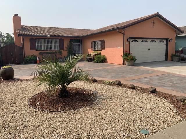 880 N Madeira Ave, Salinas, CA 93905 (#ML81807355) :: The Kulda Real Estate Group