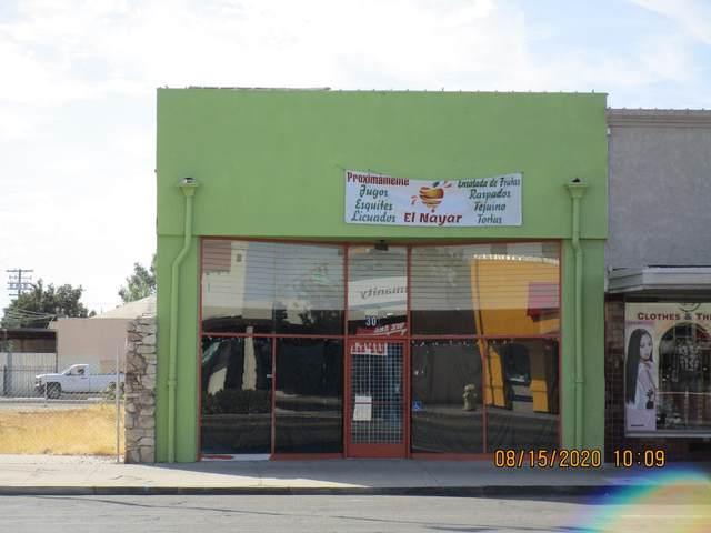 308 E Yosemite Ave, Madera, CA 93638 (#ML81807880) :: Real Estate Experts