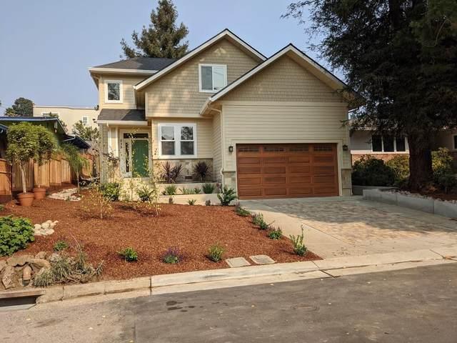 539 Humes Ave, Aptos, CA 95003 (#ML81809127) :: Schneider Estates