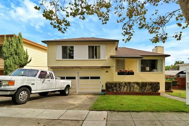 1737 Alameda De Las Pulgas, Redwood City, CA 94061 (#ML81810196) :: The Gilmartin Group
