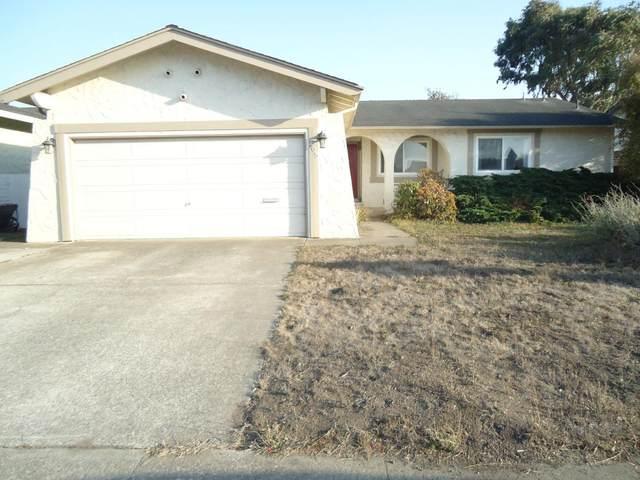 405 Kehoe Ave, Half Moon Bay, CA 94019 (#ML81813031) :: The Kulda Real Estate Group