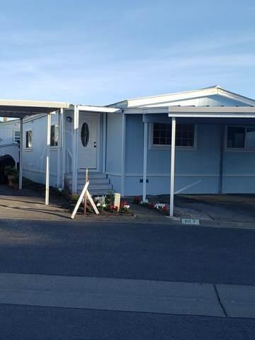 127 La Granada 127, Moss Beach, CA 94038 (#ML81815417) :: The Kulda Real Estate Group
