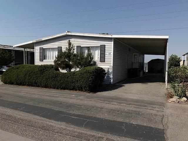 150 Kern St 47, Salinas, CA 93905 (#ML81818285) :: Alex Brant