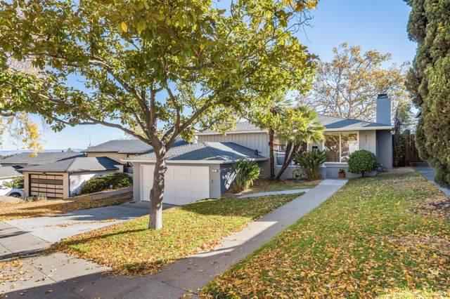 851 Alameda De Las Pulgas, Redwood City, CA 94061 (#ML81821694) :: The Gilmartin Group