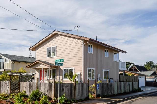 371 Vermont Ave, Moss Beach, CA 94038 (#ML81825351) :: Schneider Estates