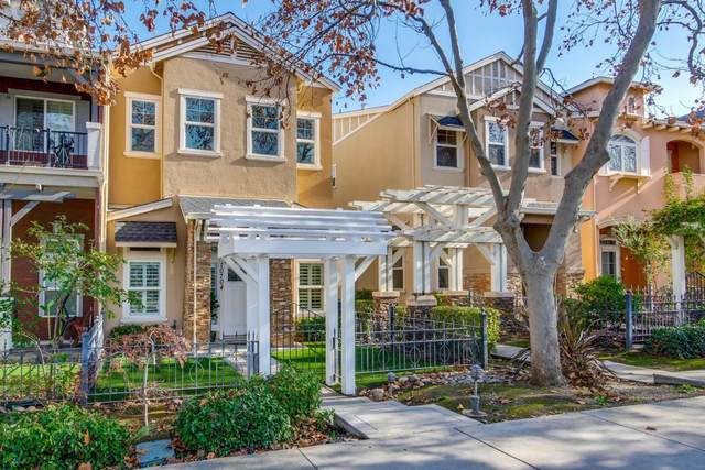 10704 Stevens Canyon Rd, Cupertino, CA 95014 (#ML81825771) :: The Sean Cooper Real Estate Group