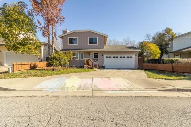 64 Oakridge St, Watsonville, CA 95076 (#ML81826055) :: Real Estate Experts