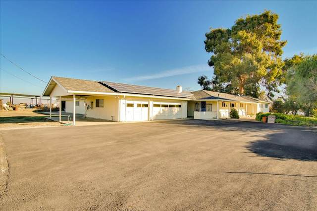 1510 Hillcrest Rd, Hollister, CA 95023 (#ML81826721) :: Schneider Estates