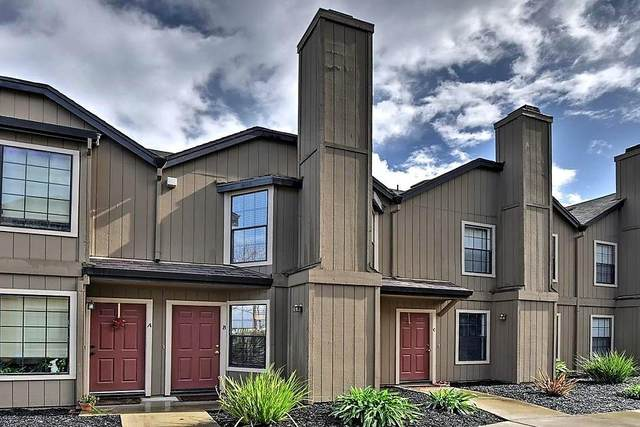 271 Gibson Dr B-60, Hollister, CA 95023 (#ML81827059) :: The Kulda Real Estate Group