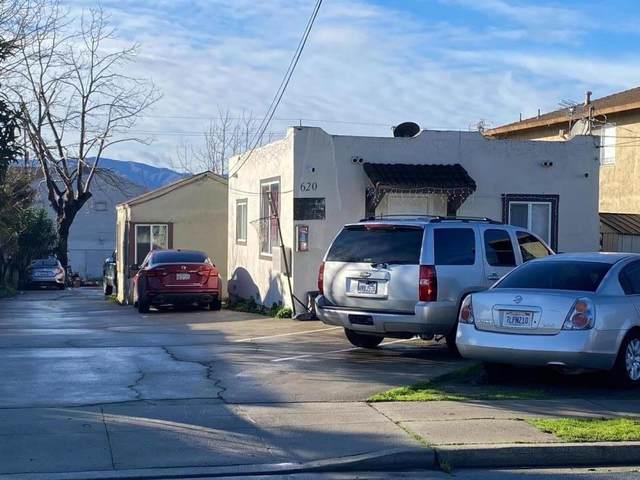 620 Roosevelt St, Salinas, CA 93905 (#ML81827715) :: Schneider Estates