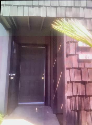 4860 E Lane Ave 104, Fresno, CA 93727 (#ML81828079) :: Strock Real Estate