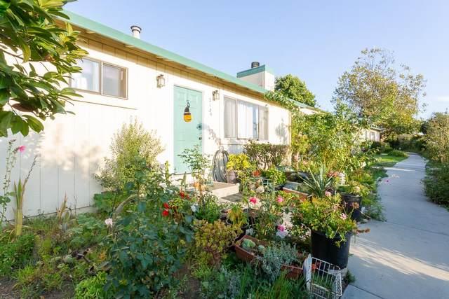 213 Silver Leaf Dr A, Watsonville, CA 95076 (#ML81829222) :: Schneider Estates