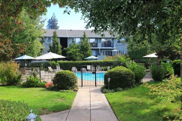 20 Willow Rd 11, Menlo Park, CA 94025 (#ML81829371) :: Real Estate Experts