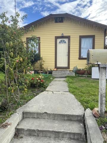 140 N Madeira Ave, Salinas, CA 93905 (#ML81830234) :: Intero Real Estate