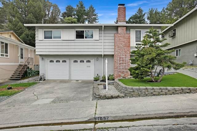 1092 Banyan Way, Pacifica, CA 94044 (#ML81831968) :: Schneider Estates