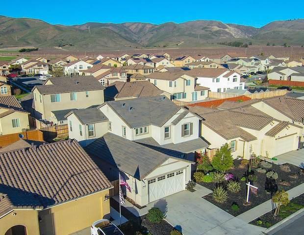 1143 La Colina St, Soledad, CA 93960 (#ML81832381) :: Real Estate Experts