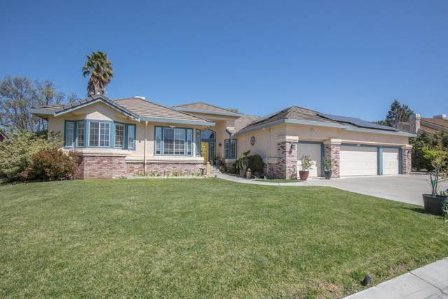 1560 Sonnys Way, Hollister, CA 95023 (#ML81838449) :: The Realty Society