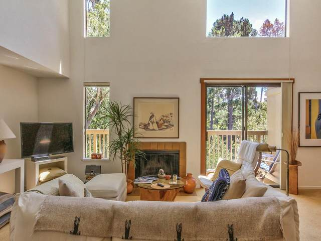 21 Montsalas Dr, Monterey, CA 93940 (#ML81839741) :: The Kulda Real Estate Group