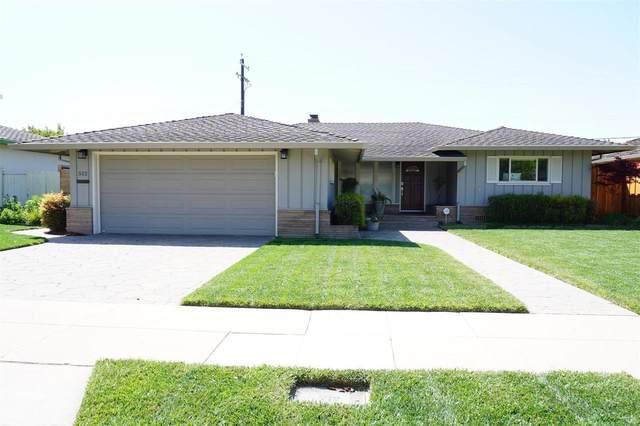 512 Manor Dr, Salinas, CA 93901 (#ML81840195) :: The Kulda Real Estate Group