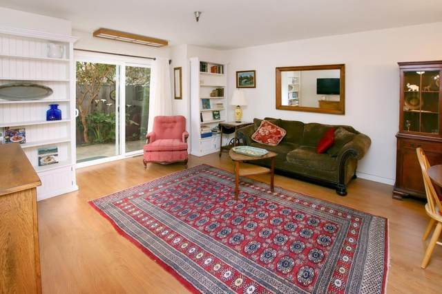101 Vista Prieta Ct, Santa Cruz, CA 95062 (#ML81840733) :: Schneider Estates