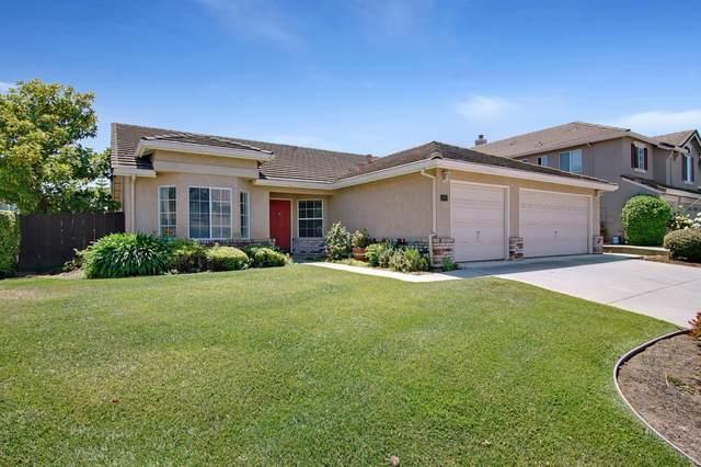2151 Cypress St, Hollister, CA 95023 (#ML81842773) :: Schneider Estates