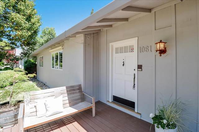 1061 Russell Ave, Los Altos, CA 94024 (#ML81843365) :: Real Estate Experts