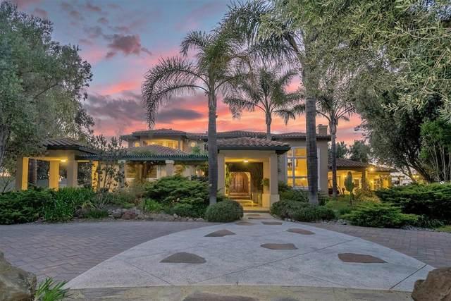6475 Vineyard Estates Dr, Hollister, CA 95023 (#ML81843379) :: Schneider Estates