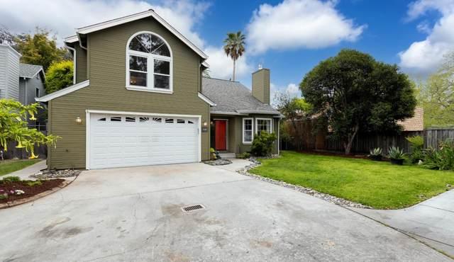 128 Otis St, Santa Cruz, CA 95060 (#ML81843565) :: Robert Balina   Synergize Realty