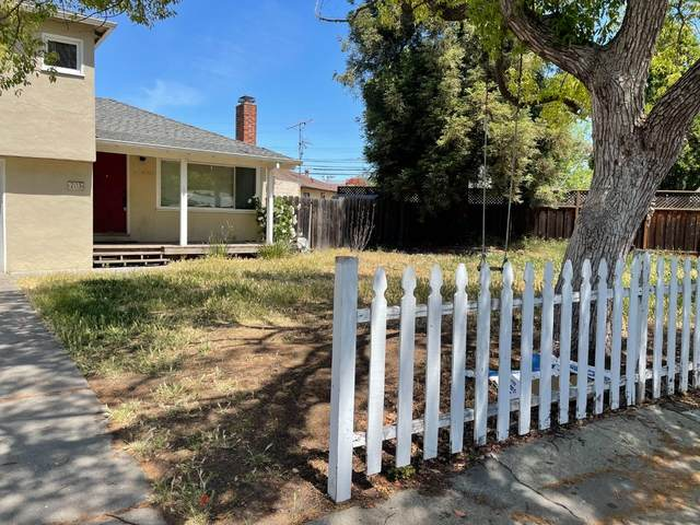 703 Flynn Ave, Redwood City, CA 94063 (#ML81845634) :: Real Estate Experts