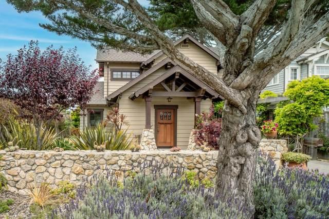 182 Central Ave, Pacific Grove, CA 93950 (#ML81846960) :: Alex Brant