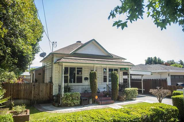 713 7th St, Hollister, CA 95023 (#ML81848065) :: The Realty Society