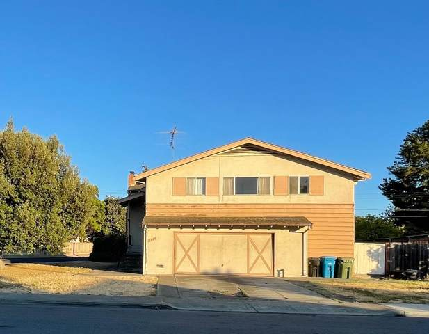 2940 Mark Ave, Santa Clara, CA 95051 (#ML81848294) :: The Kulda Real Estate Group