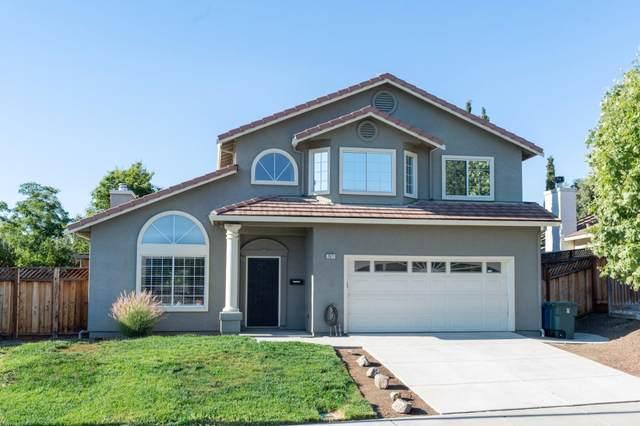 2671 Valley View Rd, Hollister, CA 95023 (#ML81848320) :: Alex Brant